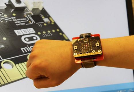 Academia Micilor Developeri lanseaza Saptamana Inteligenta cu micro:bit