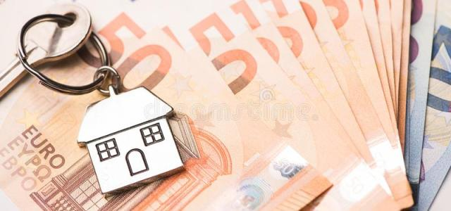 Jumătate dintre românii care vor să-și cumpere o casă se laudă că pot plăti cash
