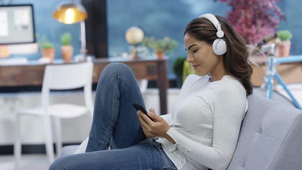 6 din 10 oameni au mobil. Cât de nocive sunt acestea?
