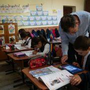 Din ce în ce mai mulți învățători din România recunosc tehnologia ca instrument educațional