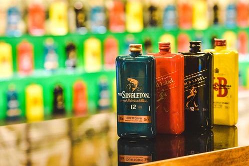 Diageoși PP Distributors au lansat în România varianta Pocket Scotch – whisky de buzunar!
