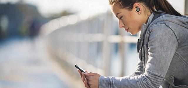 Noua gamă de căști Philips Sports, create special pentru sportivii care se antrenează acasă sau în aer liber
