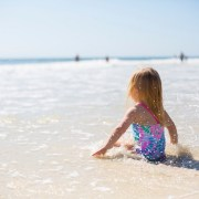 Acvatic Bebe Club oferă lecții de educație acvatică gratuite, pe plaja din Mamaia