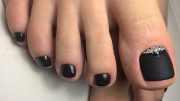 cute and easy toenail design