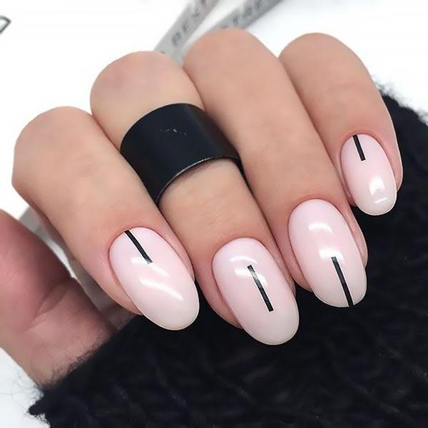 Minimalist Design Nails
