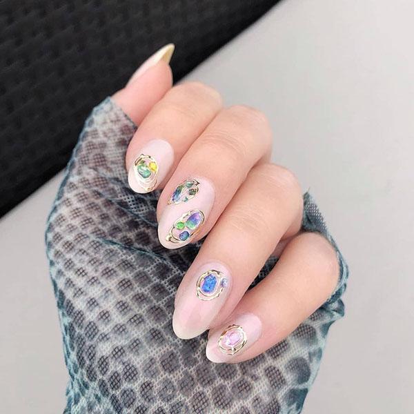 Jewelled Luxury Nails