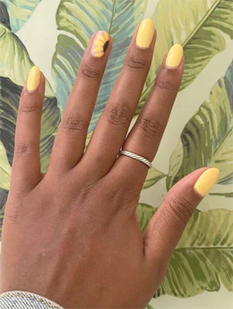 Sunflower Feature Nails