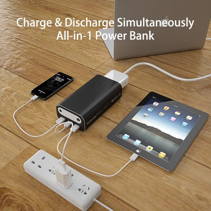 Maxoak Bluetti AC10 - Device Charging