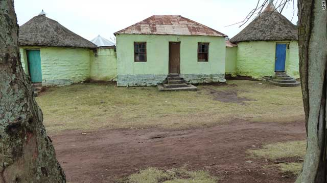 After the death of his father, nine-year-old Mandela was sent to live at the royal residence of Chief Jongintaba Dalindyebo, acting regent of the Thembu people, in Mqhekezweni. Mandela learned about leadership here, observing the elders of the community discussing local affairs.