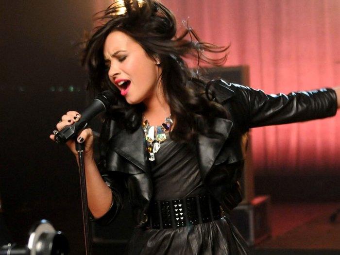 File:Demi Lovato 5, 2012.jpg - Wikimedia Commons