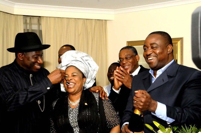 President Goodluck Jonathan feeding the First Lady, Dame Patience with a piece of her birthday cake after the cutting of her cake at Perth Australia in October 2011 (State House Photo)
