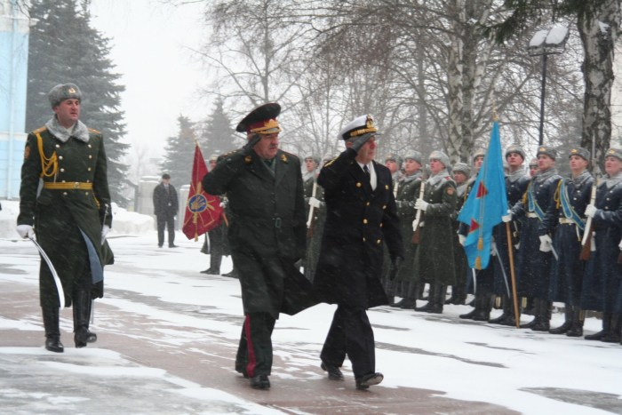 Chairman of the Military Committee, Admiral Di Paola, and the Chief of the General Staff - Commander-in-Chief of the Ukrainian Armed Forces, Colonel General Ivan Svyda inspect the troops. (Photo Credit: Vadim Kovalyov, Flot2017)