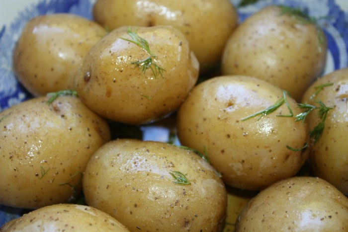 boiled potatoes with herb vinaigrette