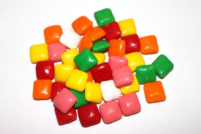 chewing gum bubble gum
