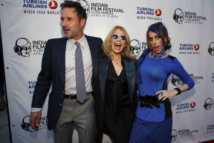 "Cast member David Arquette poses with his sisters Rosanna and Alexis (L-R) Arquette at a screening of ""Sold"" on the opening night of the Indian Film Festival of Los Angeles"