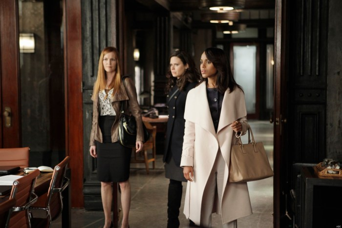 """SCANDAL - """"Any Questions?"""" - The White House is in the middle of its biggest scandal to date and Cyrus is in the eye of the storm. Meanwhile, someone close to Olivia betrays her and the team, on """"Scandal,"""" THURSDAY, MAY 9 (10:02-11:00 p.m., ET) on the ABC Television Network. (Photo Credit: ABC/Nicole Wilder)"""
