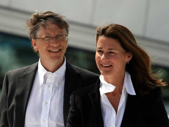 gates-stepped-down-from-his-position-as-ceo-of-microsoft-in-2000-taking-on-a-more-limited-role-as-chairman-nowadays-he-serves-as-technology-advisor-to-curre