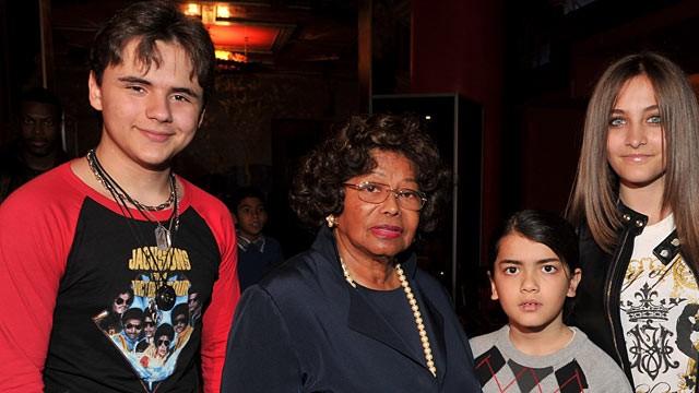 Left to right, Prince Michael Jackson, Katherine Jackson, Blanket Jackson, Paris Jackson