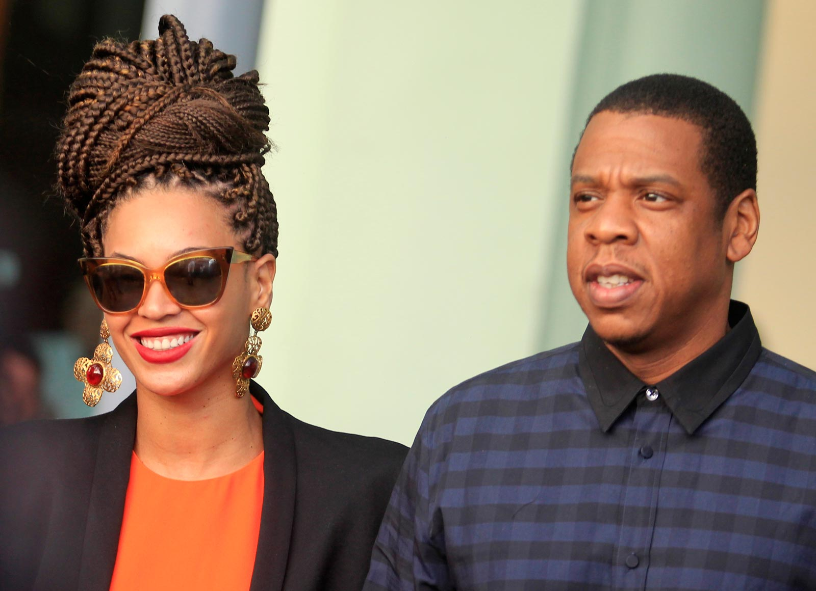 Beyonc And Jay Z Share Never Before Seen Clip Of Secret Wedding