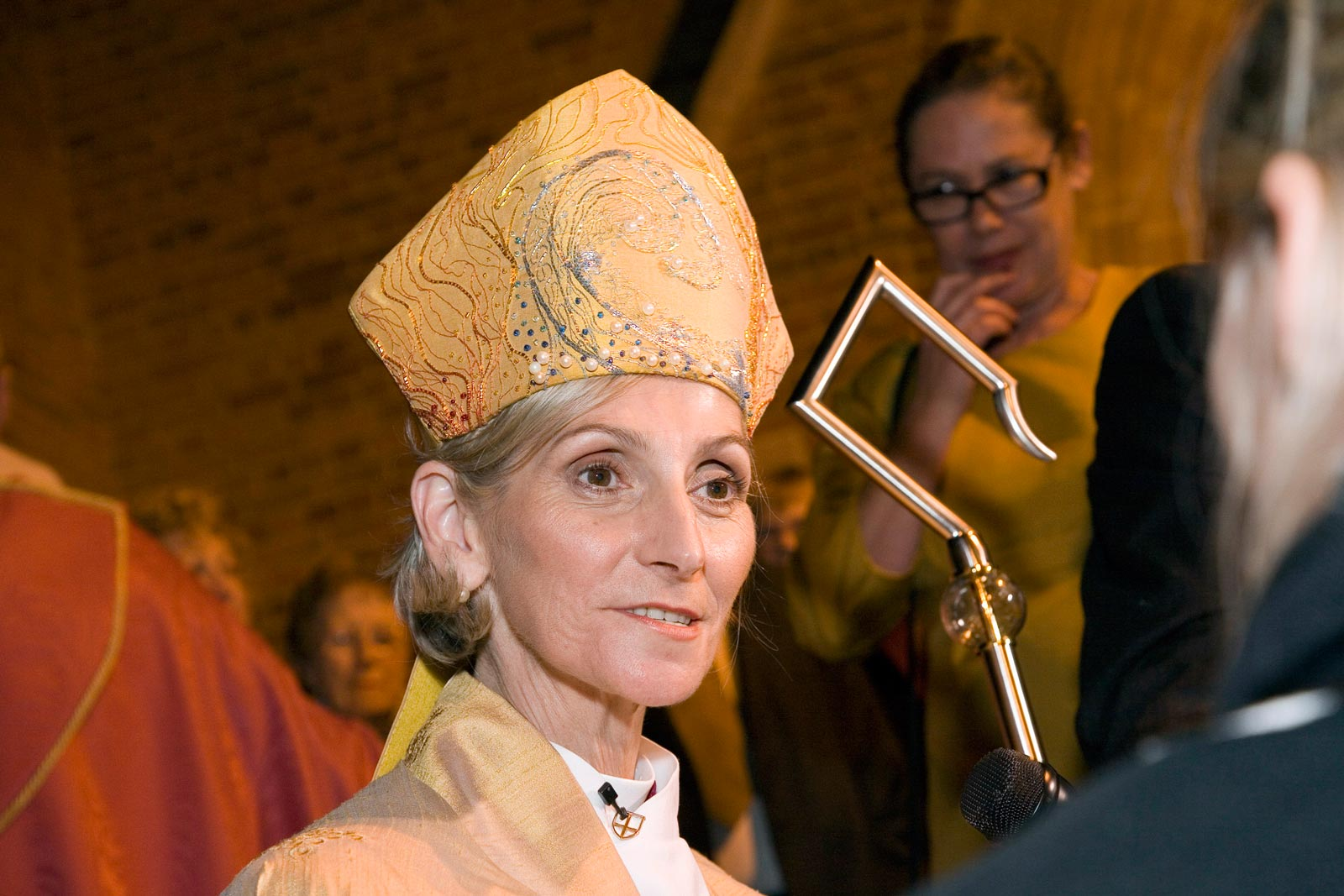 all christans should allow female bishops The cofe has allowed women bishops since legislation in 2014 and its guidance insists the 'church of england is fully and unequivocally committed to all orders of ministry being open equally to all, without reference to gender'.