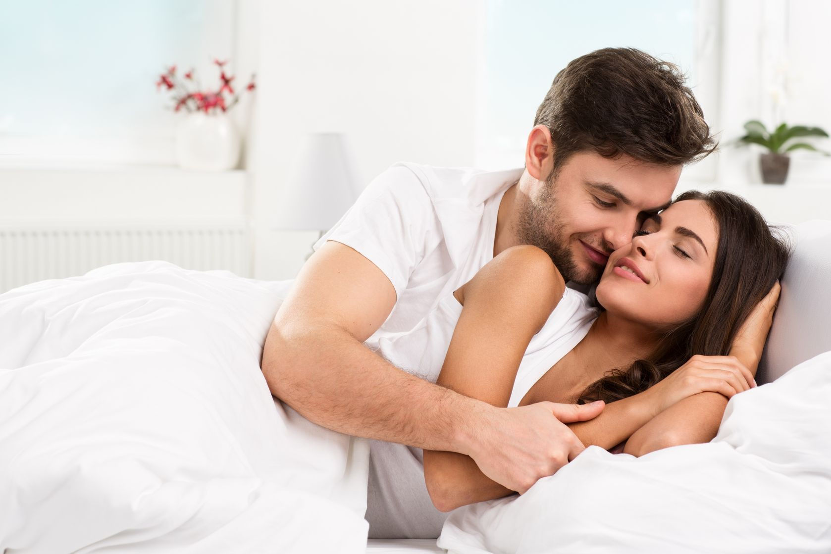 Bed drive guide in lover romance sex wild woman