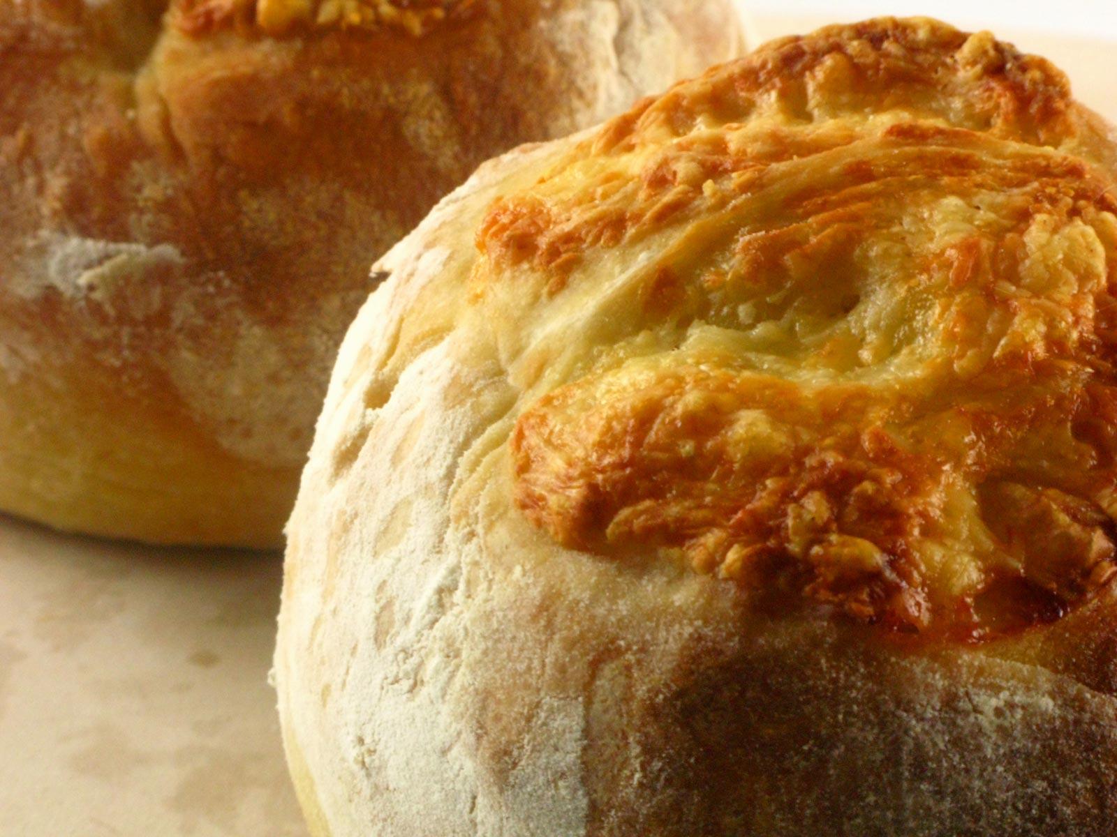 gouda-bread-1