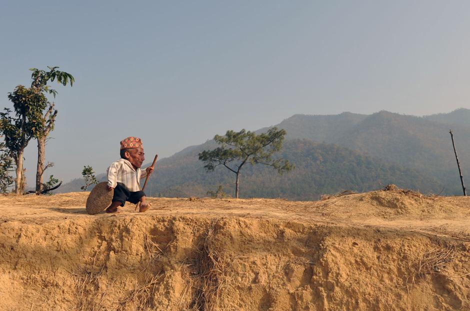 TOPSHOTS 2012-NEPAL-GUINNESS-RECORD-SHORTEST
