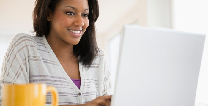 gratitude successful master Woman writing online laptop