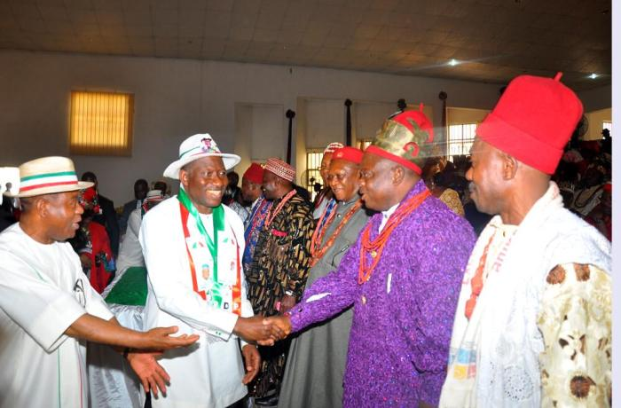 President Jonathan, Abia State governor and traditional rulers (Photo Credit: reuben Abati)