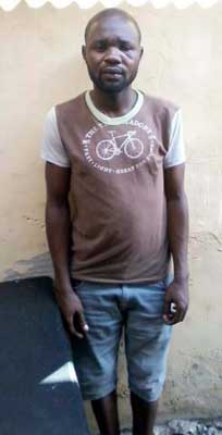 29-year-old man, Bode David, was forced to sleep with the corpse of his friend, identified as Ganiyu, and drink the water used to wash it, to prove he did not kill him in Isheri Magodo area of Lagos State. (Photo Credit: Vanguard)