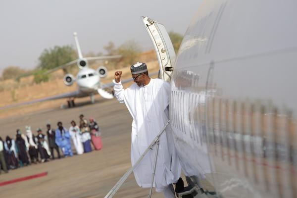President Buhari In ChadPhoto credit: omonlakiki/twitter)