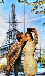 visitor taking a selfie with wax Kim (Credit: Getty Images)