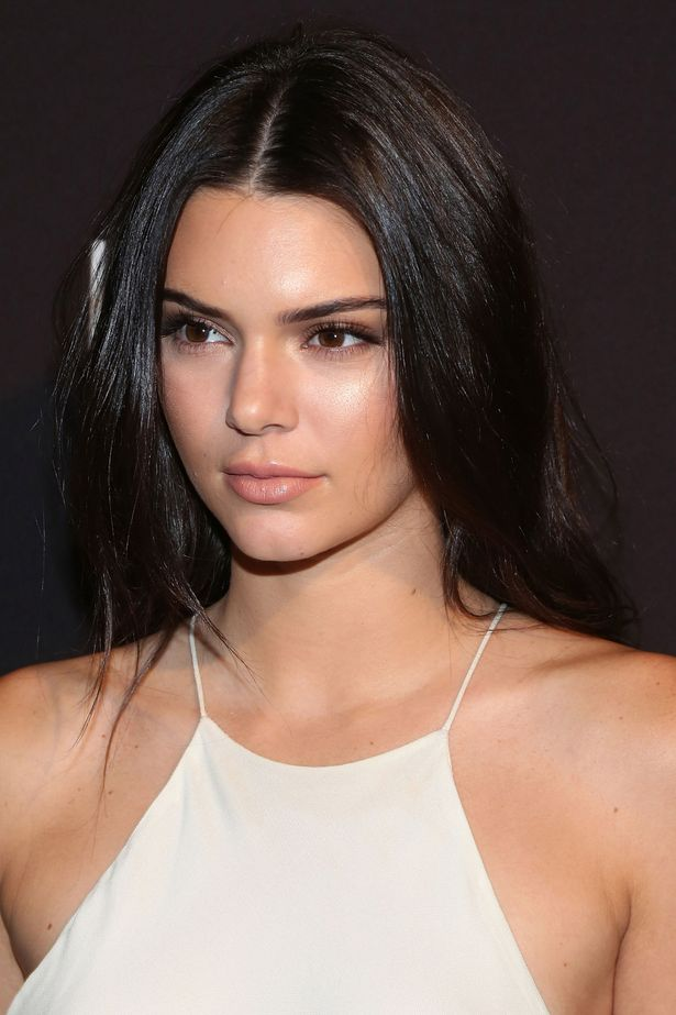 Kendall-Jenner (2)