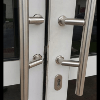 Door locks damaged by SSS operatives who invaded Akwa Ibom State Government House, September 3, 2015 (Photo Credit: Twitter/EndPropaganda)