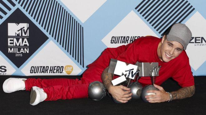 Justin Bieber won five awards at the 2015 MTV EMA | Reuter