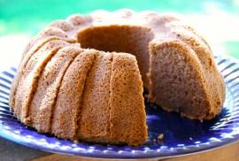 Paleo pumpkin bundt cake