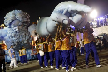 rio-carnival-2016-estacio-de-sa (2)