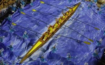 rio-carnival-canoe_2841221k