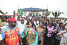 Spirit of David: A PDP chieftain leads a praise and dance session at the thanksgiving session for victory at Rivers legislative rerun elections held on March 19, 2016   Oraye St. Franklyn