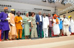 Ondo State Governor, Dr Olusegun Mimiko (middle), with some of the beneficiaries of the CBN/Ondo Micro, Small and Medium Enterprises Development Fund (MSMEDF), at the International events center - The Dome, in Akure, on Tuesday, September 7, 2016