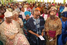 From left; Osemawe of Ondo Kingdom, Oba (Dr) Victor Kiladejo, his wife, Olori Olayinka, Former Governor of Ondo State, Dr Olusegun Mimiko and his Wife, Olukemi.