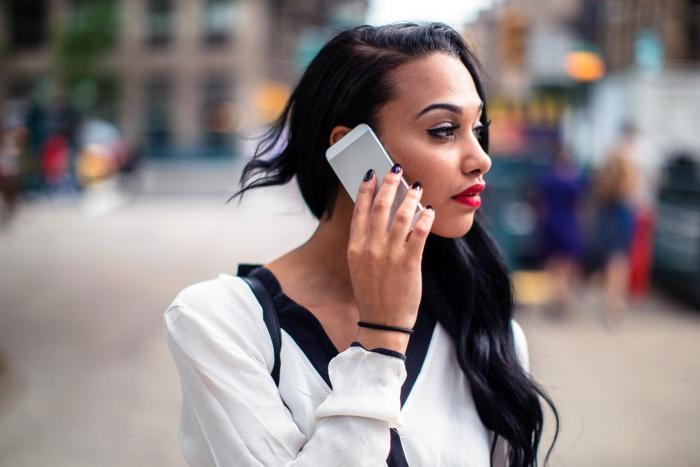 smartphone African American news