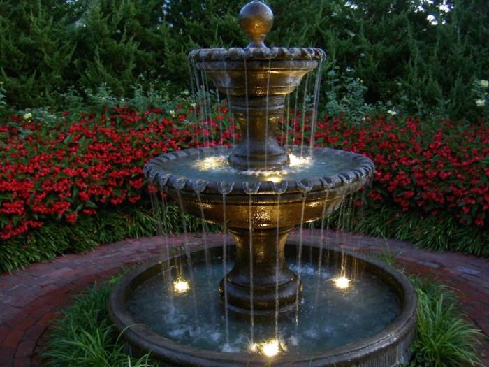 outdoor water fountain gardens