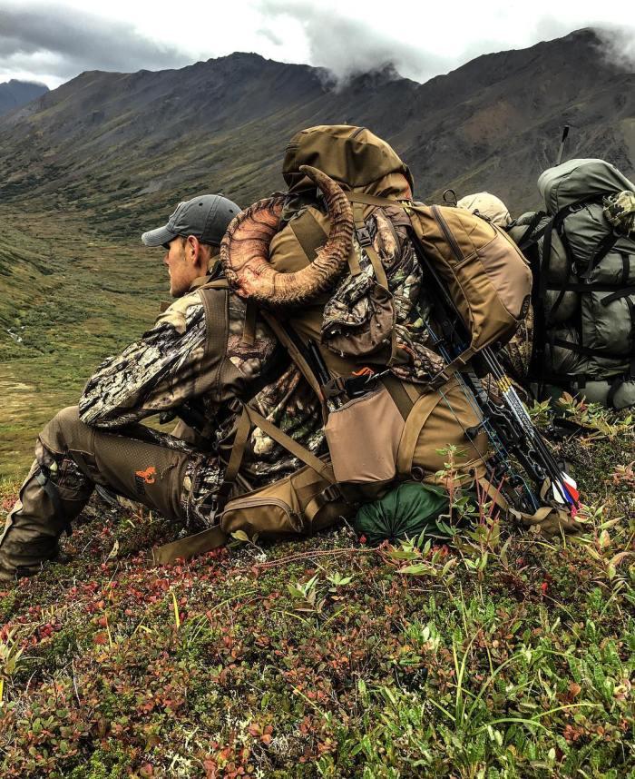Hunting gear guns
