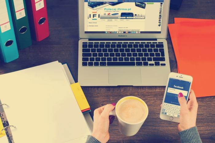 laptop phone coffee e-commerce social commerce