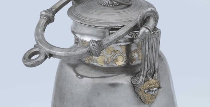 Silver Amphora Details