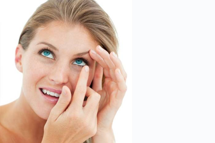 contact lenses woman solutions