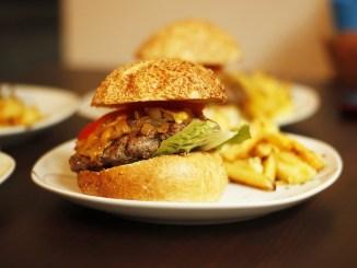 Τα επεξεργασμένα τρόφιμα προκαλούν εθισμό