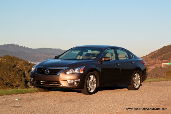 2013 Nissan Altima 3.5 SL, Exterior, front 3/4, Picture Courtesy of Alex L. Dykes