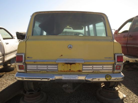 06 - 1976 Jeep Wagoneer Down On The Junkyard -  Picture courtesy of Murilee Martin